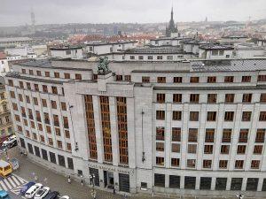 Česká národní banka i bankovní asociace změny ve vedení sazby Pribor i jeho zpoplatnění vítá.