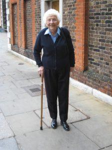 Spoření na důchod má být s vládní novelou o něco atraktivnější. Snad i budoucí penzisty čeká ve stáří takovýto úsměv.