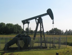 Ceny ropy se drží nízko již delší dobu, a jak to tak vypadá, v nejbližší době stoupat nebudou.