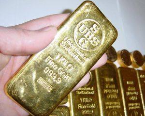 Zlato ztrácí svou hodnotu čím dál více.