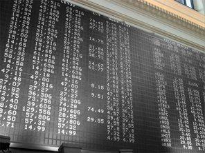 Akcie na evropských trzích klesají