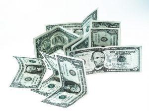 Na svém účtu si vždy hlídejte dostatek financí. Bez zajištění kapitálem se do rizika nepouštějte.