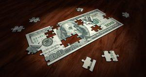 Když klesají ceny investičních nástrojů, přichází na řadu prodejní opce.