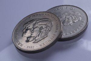 Britská libra nezvládá velký prodejní tlak.