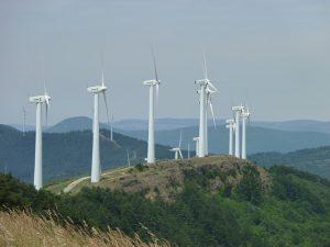 U České spořitelny můžete spořit na penzi a zároveň i do firem vyrábějících energii pomocí solárních nebo větrných elektráren.